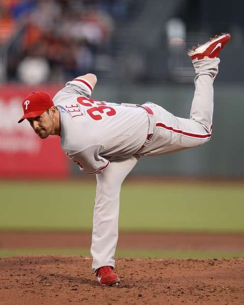 Cliff Lee delivering a pitch