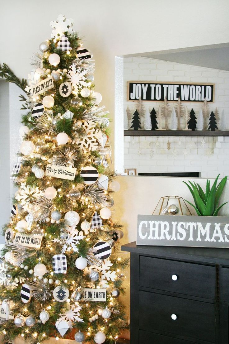 Black & White Christmas Tree Decor
