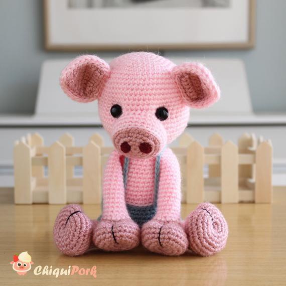 Cerdito de crochet Willie | CrochetyAmigurumis.com | 570x570