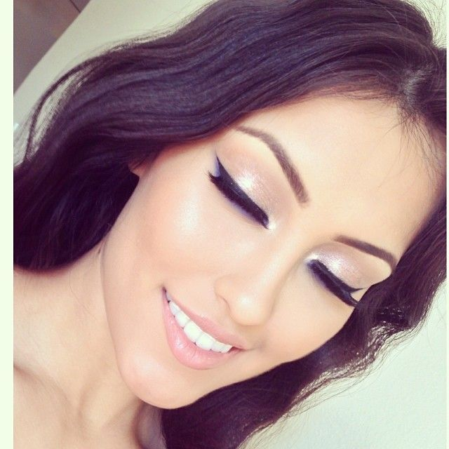 this is so pretty, i love her make-up!