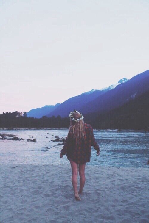 Image via We Heart It https://weheartit.com/entry/160996402 #beauty #black #blue #dress #flannel #girl #goals #gorg #grunge #hipster #indie #legs #love #lovethis #model #mountains #perfection #photography #places #pretty #scenic #shadow #sillhoette #sky #skyline #style #top #travel #tumblr #wanderlust