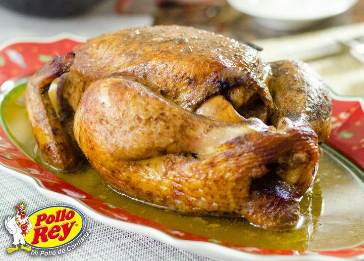 Pollo Gigante o Pavipollo. Asado y relleno de ciruelas y manzanas. ¡No te lo puedes perder!
