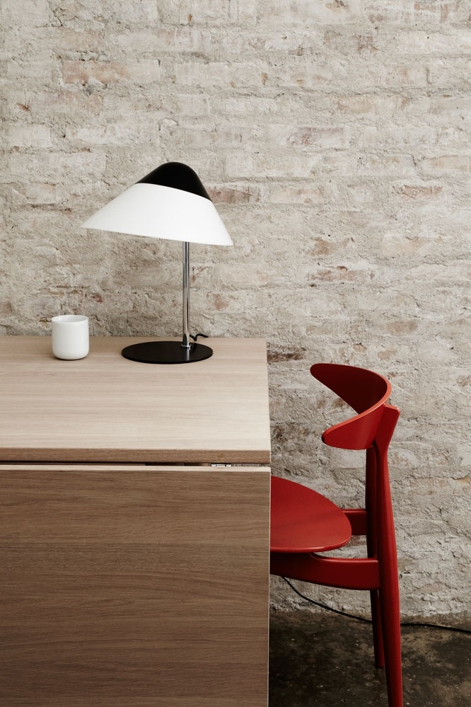 Opala Midi Wall Lamp from Carl Hansen & Son. Design by Hans J. Wegner. #lighting #design #interior