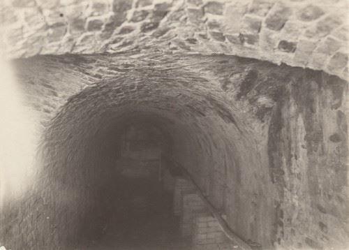 God tunnel