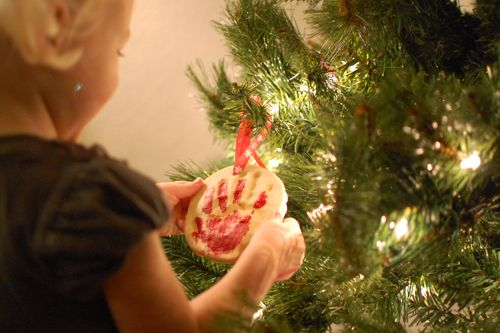 Baby's First Christmas: Handprint Ornament Tutorial   Alphamom