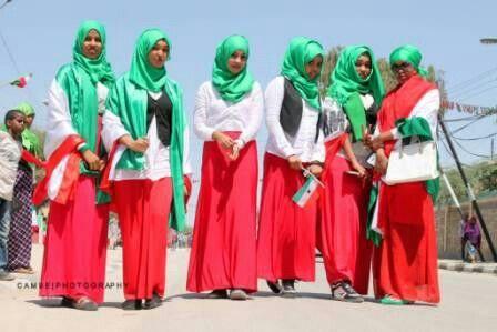Somaliland Girls With Flag <3Ilove u