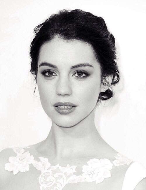 What do you think of Adelaide Kane for Arianna? Looks kinda Italian idk (I thinks she's actually part Spanish but shhh)