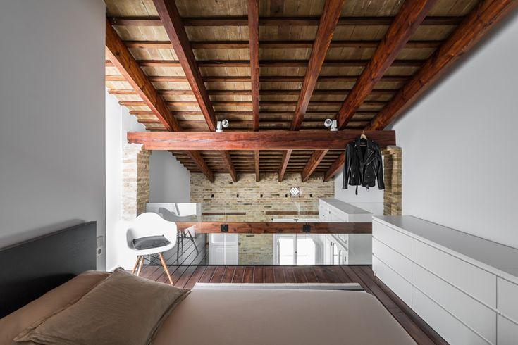 ambau-taller-d'arquitectes-loft-rehabilitation-valencia-designboom-02