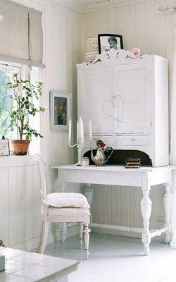 easy and cheap tips shabby chic interior decorating shabby chic rh pinterest com