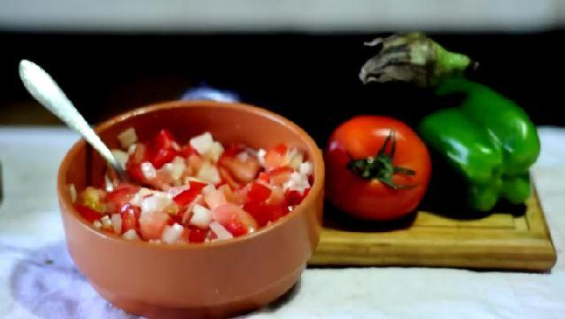 Cómo hacer salsas para acompañar carnes a la parrilla | eHow en Español: To Accompany, Salsas Para, How To Make, Acompañar Carnes, Hacer Salsas, The Recipe, Carne A La Parrilla, Recetas Salsas