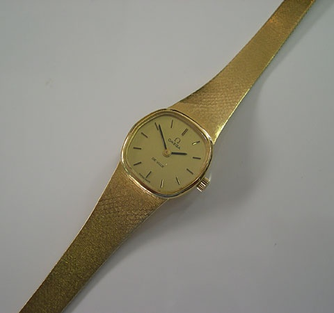 Ladies Omega Deville C 1978 Solid 18ct Gold Case