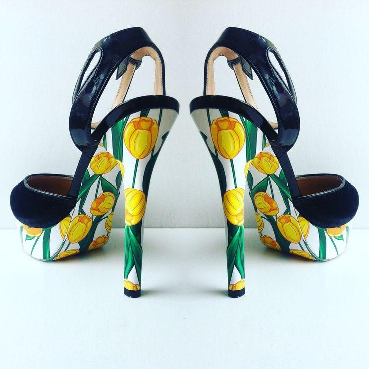 """""""Желтые тюльпаны"""" дизайн для украшения ваших любимых туфель, чтобы быть ВИДНЕЕ! ВЫШЕ! МОДНЕЕ!  #стильноукоговидно #ипустьвсеоглядываются #стиль #мода #красота #туфли #каблуки #стильно #модно #обувь #карманпринт"""