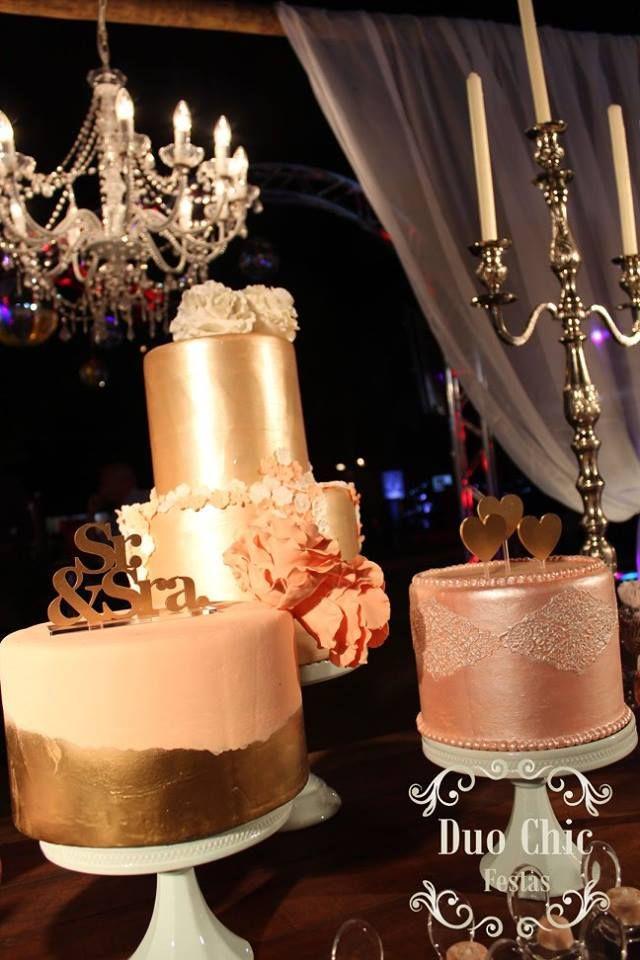 Tendências de bolos de casamento - 2017 | Bolos decorados com acabamento metálico. Bolo dourado, bolo prata e bolo cobre ou ouro rosé.
