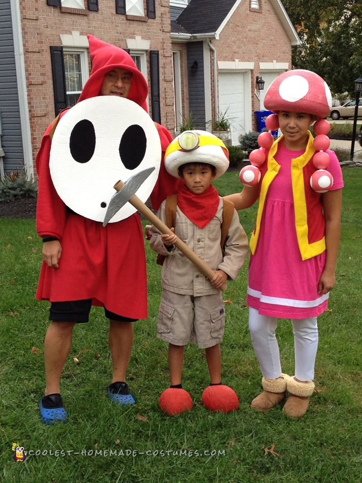 Cool Mario Brothers Costumes: Captain Toad, Toadette and Shy Guy... Coolest Homemade Costumes