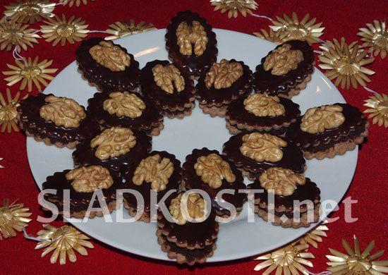 Čokoládové oválky s ořechy dia
