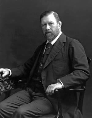 Bram Stoker looks like how I would expect him to look.