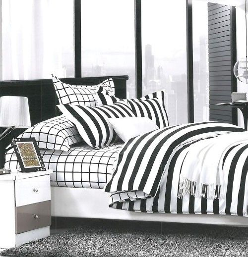 Beau Stripes Black And White Cotton Double Bedsheet