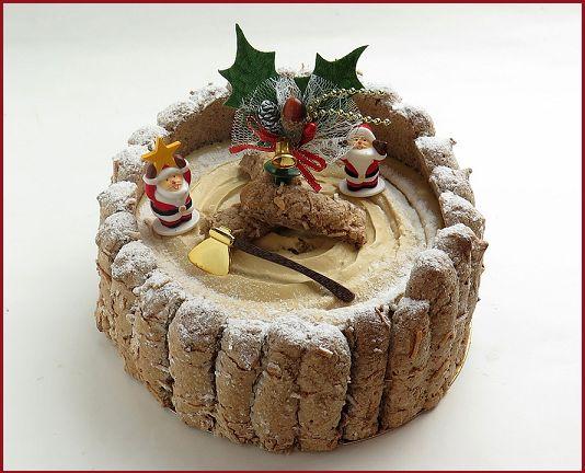 Charlotte di Babbo Natale al cioccolato   http://tormenti.altervista.org/charlotte-di-babbo-natale-cioccolato/