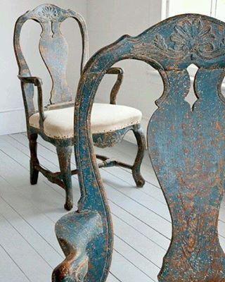 INSPIRATION Annie Sloan Chalk Paint - Layers - Distressed - Texture - Details