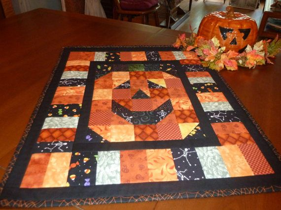 Halloween Jack-O-Lantern Wall Hanging or Table Topper