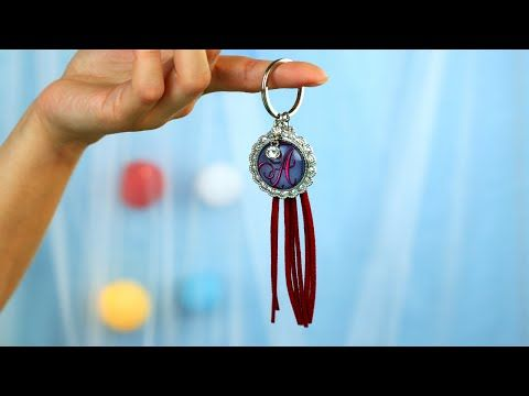 Our tutorial will help you to craft glass keychain that you can use for keeping your keys safe. Also you can put your friend's name head letter under the keychain glass disc to make an exclusive gift! #keychain #glass #accessories
