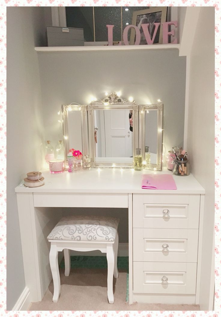 Best 25+ Vanity table with lights ideas on Pinterest | Makeup desk with  mirror, Makeup table with lighted mirror and Vanity desk with mirror - Best 25+ Vanity Table With Lights Ideas On Pinterest Makeup Desk