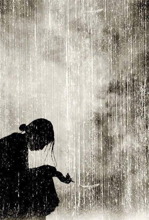 Honnêteté rime avec solitude mais j' assume   Honesty is synonymous with solitude but I assume  L'onestà è sinonimo di solitudine ma suppongo