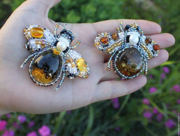 Купить Янтарные броши Оса, Пчела - желтый, брошь, брошь с янтарем, украшение янтарь