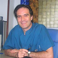 Oclusión, ajuste, precisión, estética e integración paragingival, esenciales en prótesis dental.