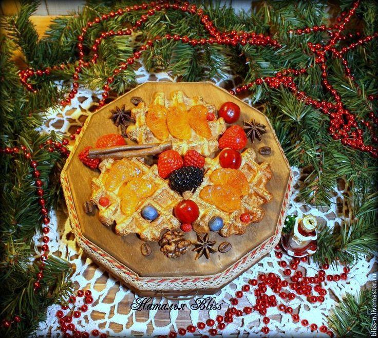 """Купить Шкатулка """"Рождественский завтрак"""" - малина, клубника, вафли, орех…"""