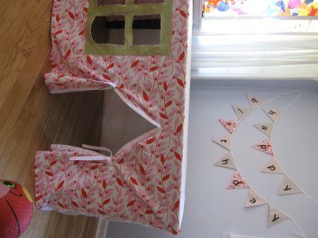 playhouse under a table: Kid Playhouse, Tablecloths Playhouses, Plays House, Kids Playhouses, Fabrics Playhouses, Tables Forts, Plays Forts, Tables Playhouses, Diy Kids