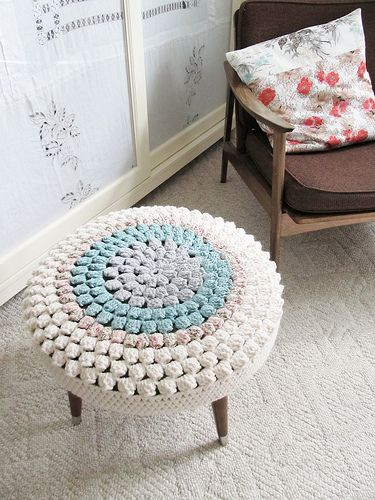 crocheted footstool cover. via Dottie Angel. #DIY #decor