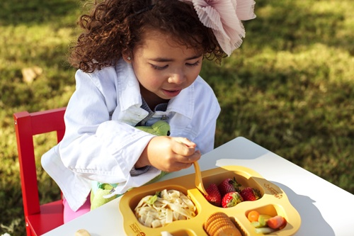 Eco-friendly, non-toxic, biodegradable, microwave-friendly children's tableware made of CORN! Absolutely natural for children and the environment!