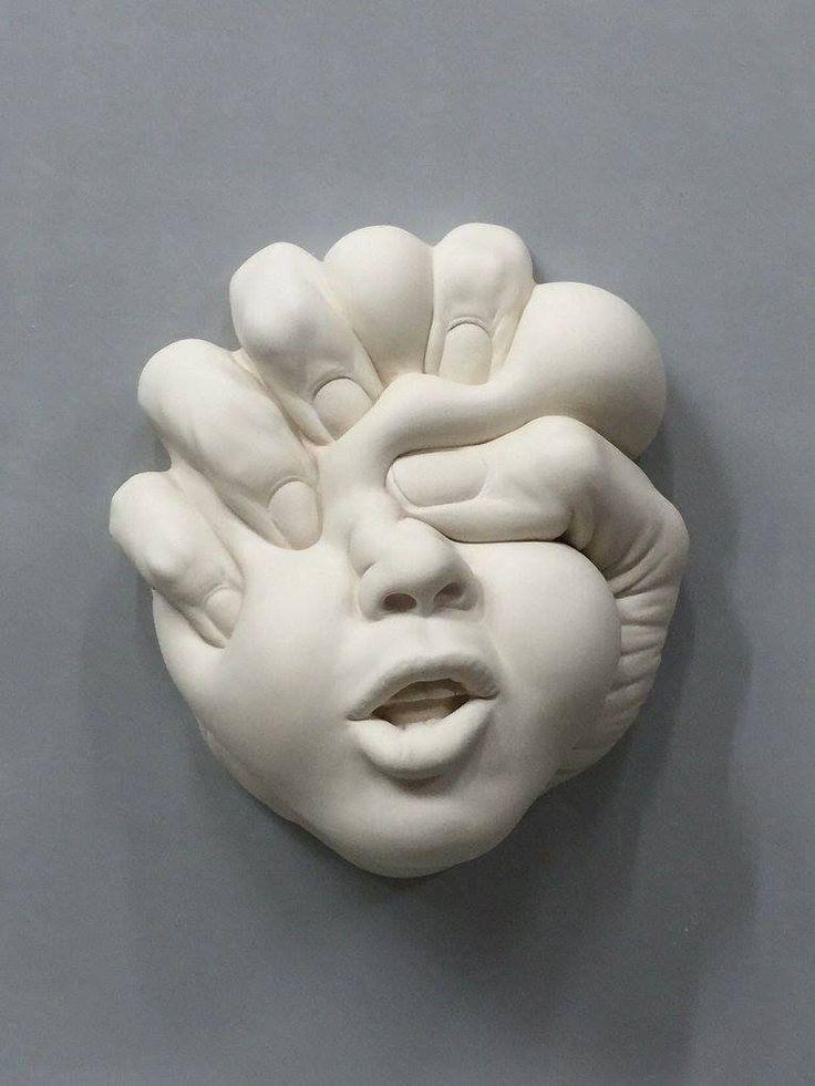 """Johnson Tsang - """"Lucid Dream - Shaping Love"""" - Porcelain - 24 x 21 x 10cm…"""