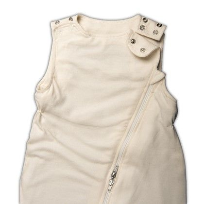 A very unique feature of the Lola & Ben baby sleeping bag is the adjustable neck opening to prevent the sleeping bag sliding over baby's head. Small neck opening is for NB - 6mths and the large neck opening from 6mths - 2 yrs.