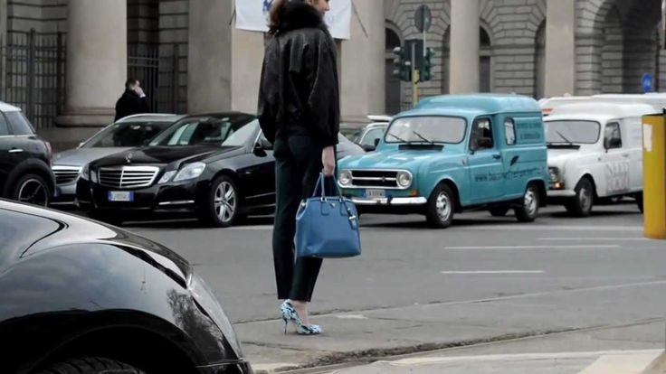 Primo video del Bacchetteforchette Fashion Tour girato durante la Fashion Week milanese davanti alla sfilata di Gucci