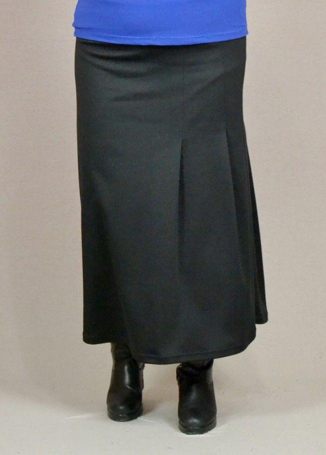 φούστα μακριά από ελαστικό ύφασμα με πιέτες στο πλάι