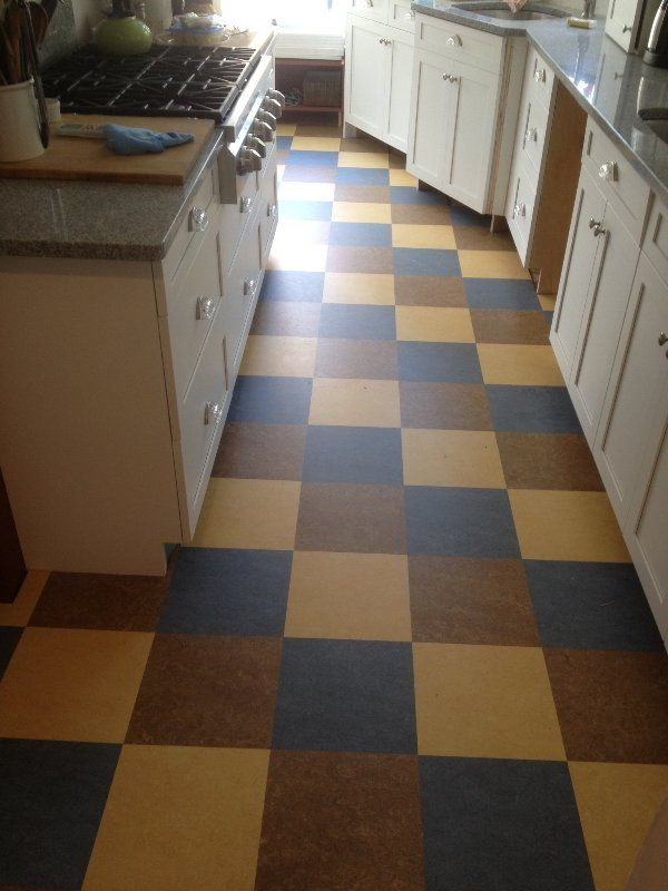 what is best flooring for kitchen 31 best images about keuken on search grey 9644