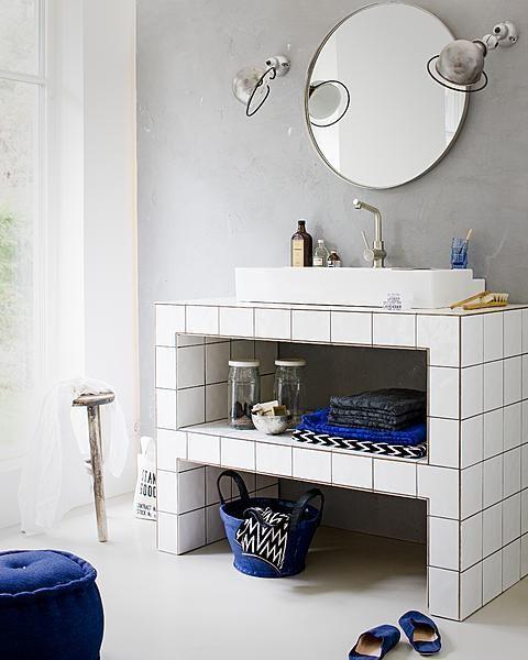 69 best images about vtwonen tegels on pinterest for Funky bathroom vanities