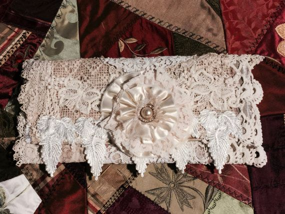 Shabby chique Clutch, portemonnee, bruiden koppeling, koppeling van de bruiloft, Keeper van de sieraden, Mixed Media portemonnee, lace portemonnee
