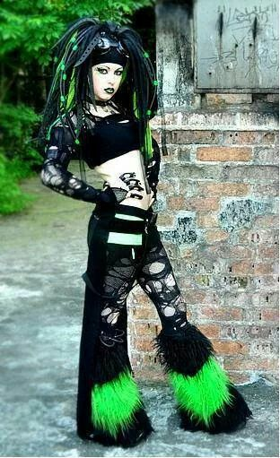 I'd love to be at a cybergoth night with her.