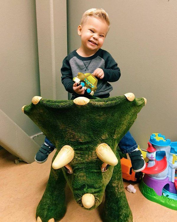 Ollie when he was at the dentist he is such a big part of the daily bumps channel I just absolutely love this little boy or in ollies words big boy BYYYYYYYYYYYYYE BOOP I SAY BOOP - Oliver James Lanning