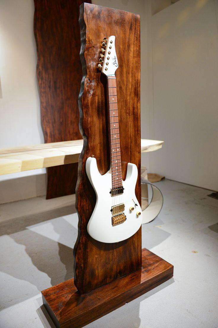 Doro Designs live edge guitar stand