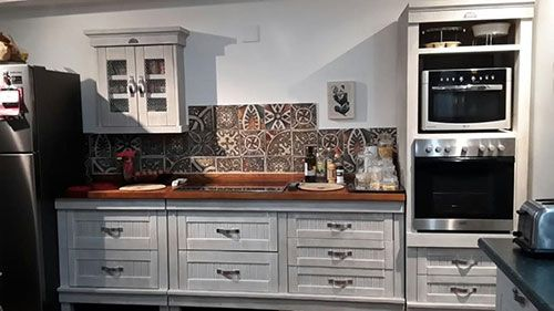 Cool letter from client.  Kitchen is finally finished in the nick of time. Sending a couple of photos.  A few minor hiccups. But dealt with them. Finished the little bar area, Sink area, Corner tea section, Hob and stove section.  Am really pleased with the out come. Thanks for getting my kitchen finished in time.   For your information Biddulphs were very good. Pleasant and helpful laughing  Jen Bales, Mpumalanga