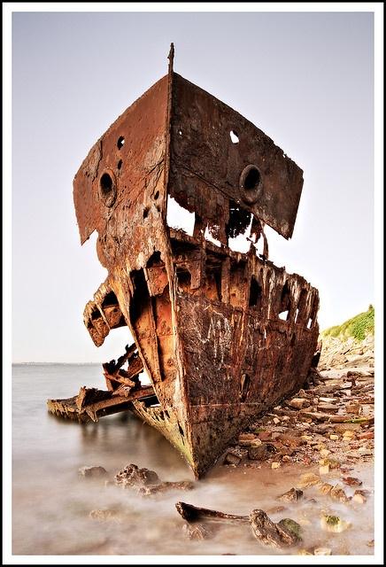 Woody Point, QLD, AU. The Gayundah wreckage.