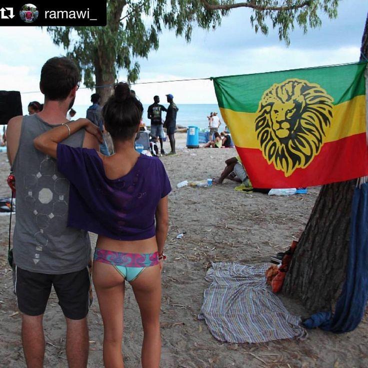 Si eres diferente, eres libre! 🙋🏻🙌🏼☀️ #Repost @ramawi_ ・・・ #ramawi Dando forma a las soleadas playas del #rototom. ¿Quieres una camiseta? Escribenos un privado o un email a ramawi.gd@gmail.com Te la enviamos a casa!! Do you want a t-shirt? Drop us a...
