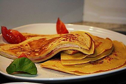 Deftige Pfannkuchen mit Schinken und Käse