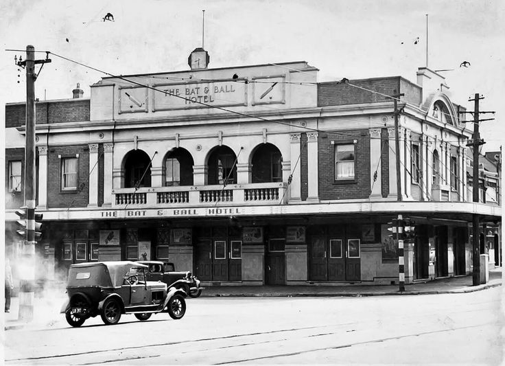 The Bat and Ball Hotel at the corner of Cleveland and South Dowling Streets,Redfern in 1949.Originally known as the Duke of Cleveland Hotel until 1937. •Australian National University•