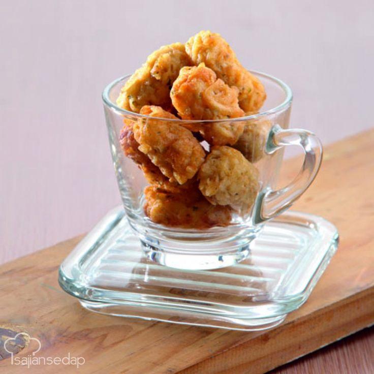 Mari membuat tater tots keju dari negeri seberang. Gorengan kentang parut gurih ini dijamin membuat Anda sulit berhenti menyantapnya.