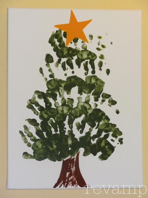 revamp homegoods: (Hand)made Holidays: Handprint Christmas Tree